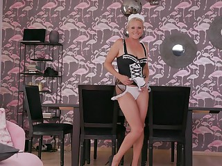Slutty MILF maid Kathy Anderson sucks a diabolical dick before an arse fuck